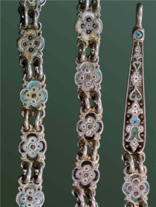 The chain. Fragment, 18 - 19 century. Silver, casting, enamel. Length of 80.0 cm. Russian Museum of Ethnography, St. Petersburg