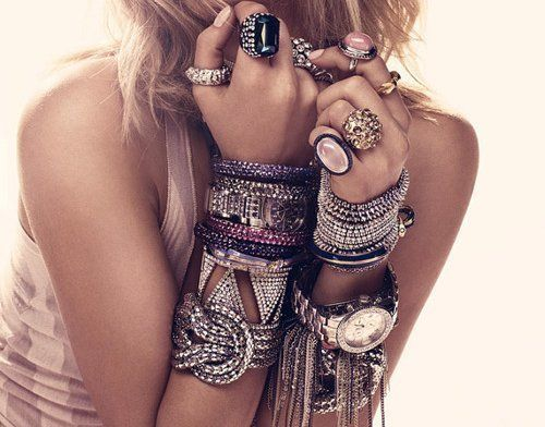 Best friends of any fashionista - lots of jewelry