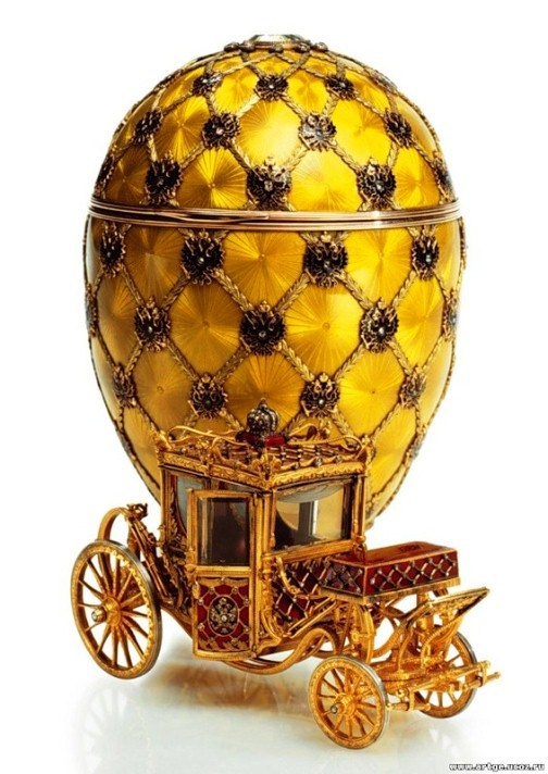 A copy of the Imperial coach at the coronation of Nicholas II. Jeweller - Michael Perkhin, George Stein. The most famous of the eggs.