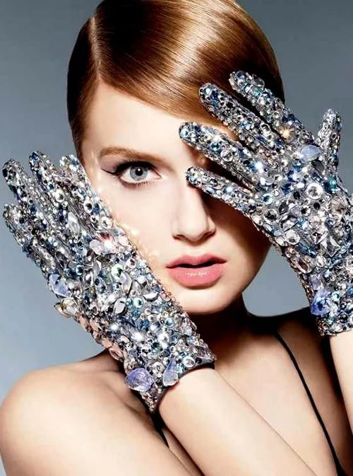 Almost every famous couturier for finishing uses Swarovski rhinestones