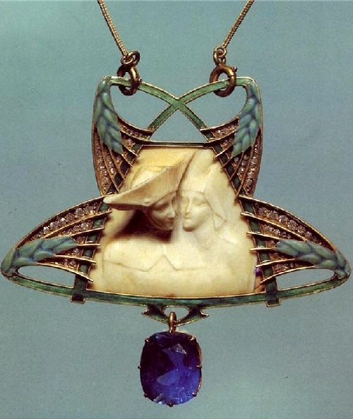 Exquisite Art Nouveau pendant by French designer Rene Lalique