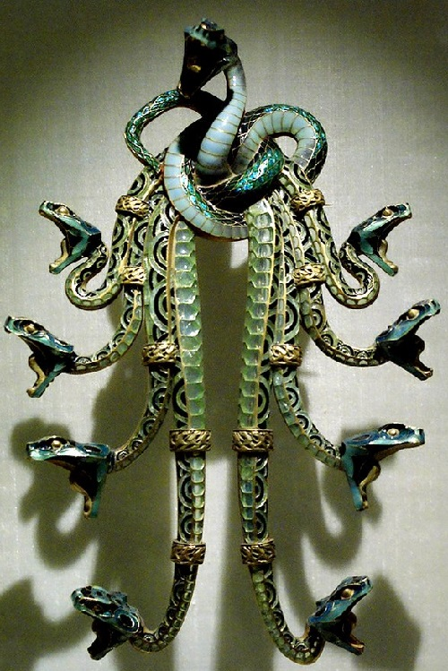 "Pendant ""Snake's Cluster"". Paris, 1901 Gold, pearls, enamel"