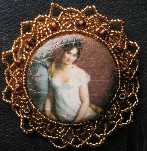 Brooch 'Madame Recamier', made by Lithuanian artist Batik and jewelry art by Svetlana Grigoniene
