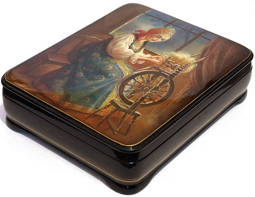 Fedoskino lacquer box, Traditional Russian miniature painting
