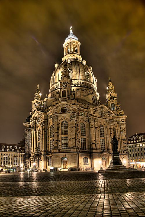 Frauenkirche at night