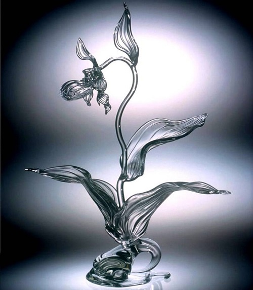 Amazingly beautiful flower, Glass art by American artist Ronnie Hughes