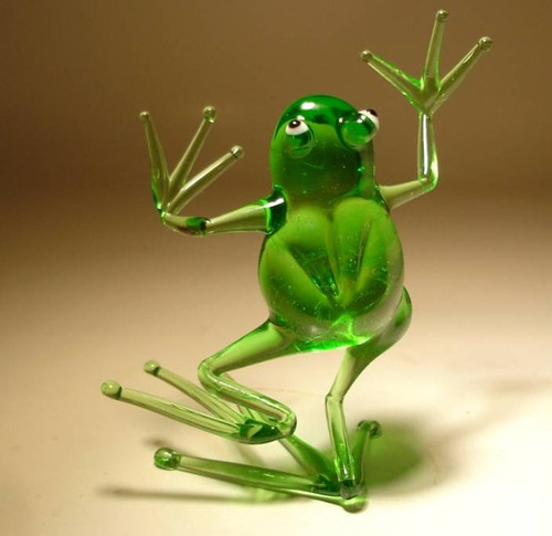 Funny frog. Unique hand-made glass sculptures by American artist Wesley Fleming