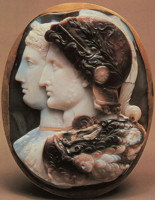 Ancient arts of Glyptics. Gonzaga Cameo