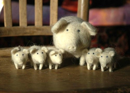 Needle felted toys by Russian artist Victor Dubrovsky