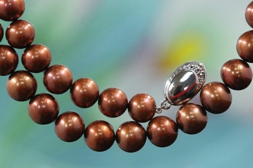 Brown pearls