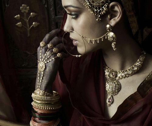 Tanishq sparkling jewelry