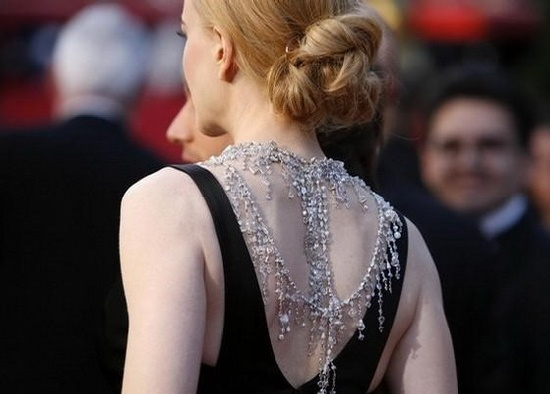 The movie star Nicole Kidman periodically appears at the festivities in Swarovski crystal jewelry. Mega-stars choose dazzling brilliance of Swarovski crystals