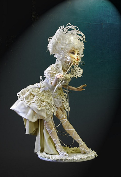 The world of dolls by Russian self-taught artist Elena Mikhailova
