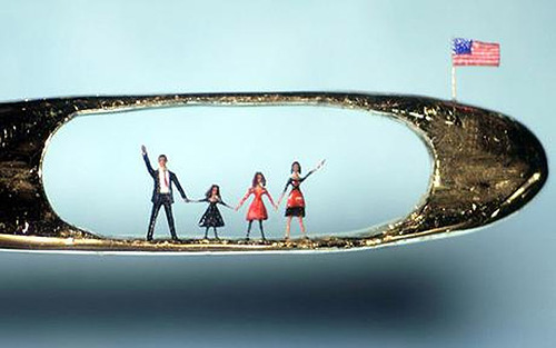 Willard Wigan micro-sculptures