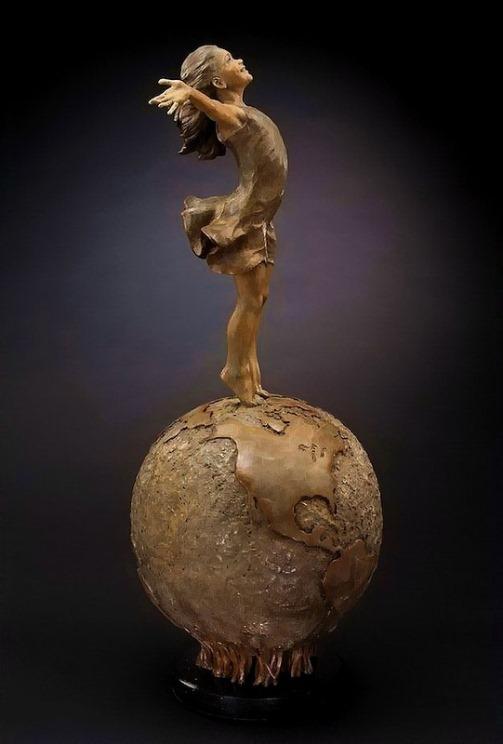 Happiness. Sculpture by American artist Angela Mia De La Vega