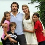 Beautiful Angela Mia De la Vega and her family