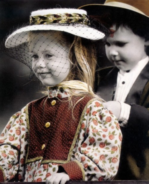 Inspirational romantic vintage photographs of children by German photographer Kim Anderson