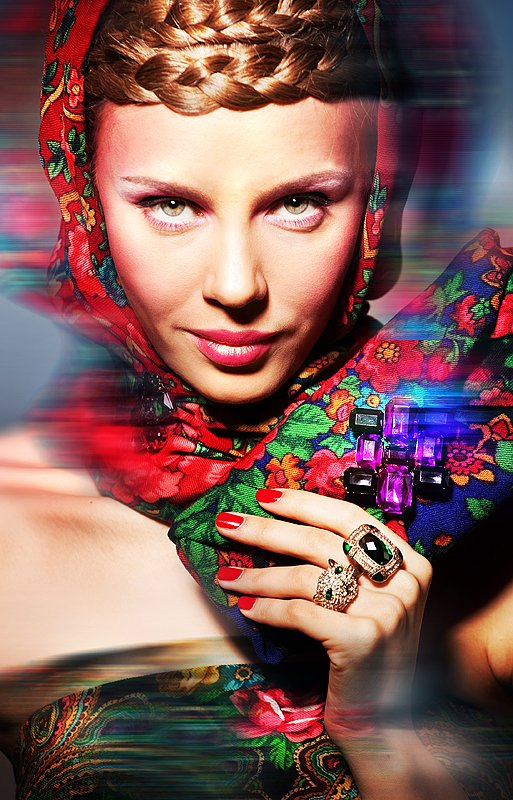 Jewelry and design in the style known as a-la-Russe