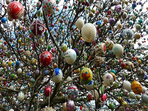 tree decorated with 10000 Easter eggs