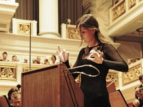 Carolina Eyck (b. December 26, 1987), German musician specializing in playing the Theremin. Her performances around the world have helped to promote the unusual music instrument