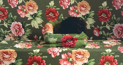 The Illusion of disappearing in paintings of Peruvian artist Cecilia Paredes