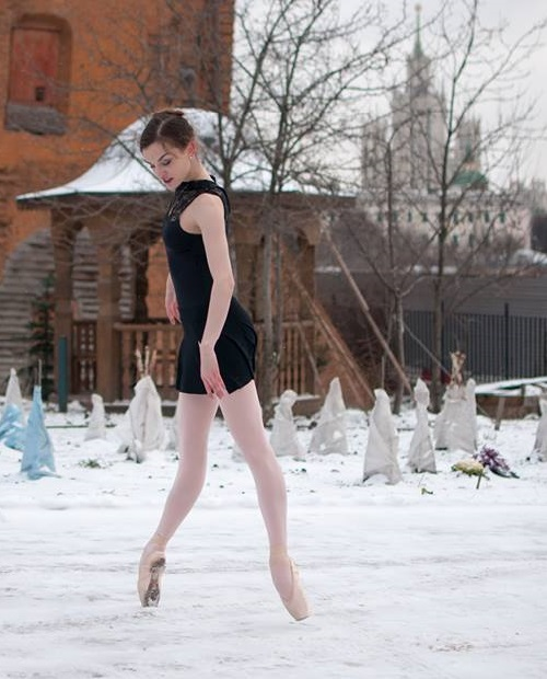 Russian winter and American ballerina Joy Womack