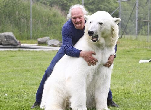 Polar bear Agee and Mark Abbot Dumas, The only man in the world who can touch a polar bear