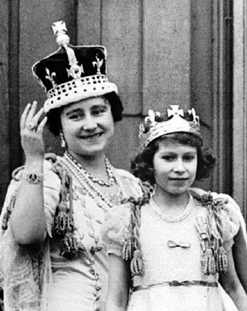 Passed down the generations: The Queen as a child, with her mother who wore the Imperial State Crown before her, and her grandmother Queen Mary who can be seen wearing one of the Cullinan Diamonds as a brooch