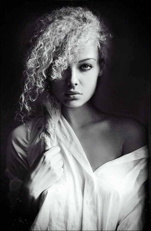 Beautiful female portraits by Lena Dunaeva, Moscow photographer