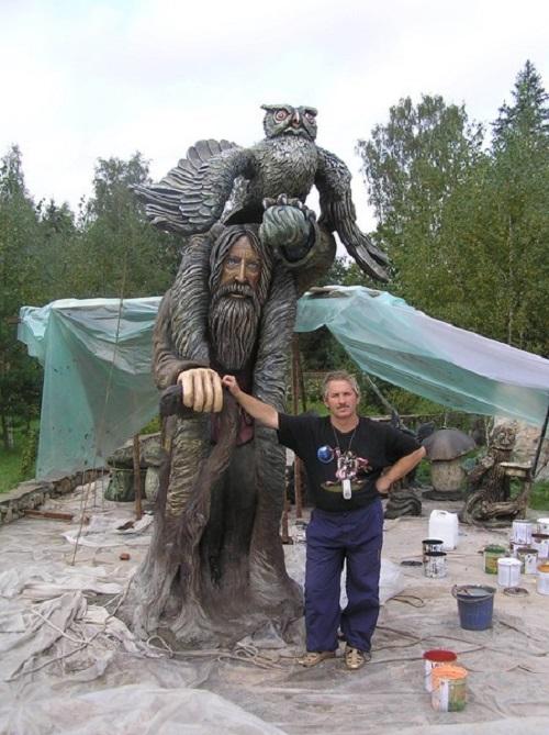 Concrete sculpture by Ukrainian self-taught artist Vladimir Kolesnikov