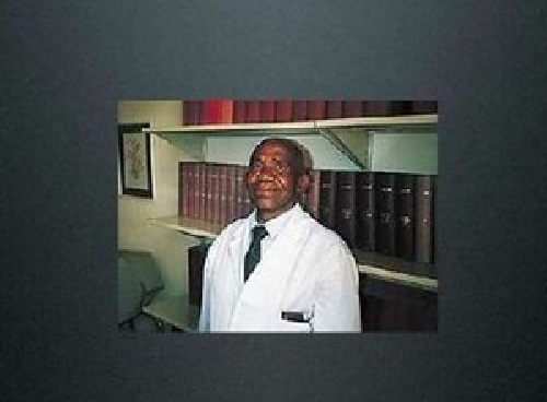 Hamilton Naki lectured surgery during 40 years and went on a pension of 275 dollars per month