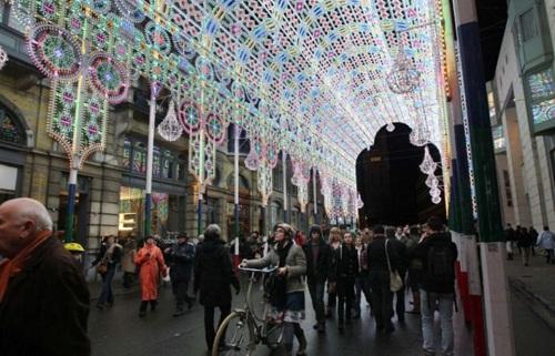 Fabulous light installation by Italian lighting experts Luminarie De Cagna, Licht Festival in Ghent, Belgium