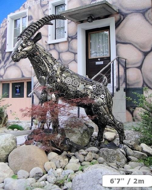 Steam punk sculpture by Swiss artist Тom Samui