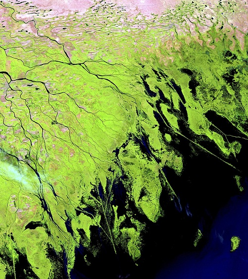 The Yukon river delta, Alaska, is bigger than the state of Oregon, and around 25,000 people live around the borders