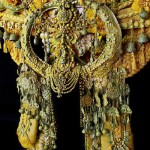 Detail of the headdress - Apocalypto, Inca gods and her trip to Tibet in 2012, during which she collected traditional bells and tribal necklaces