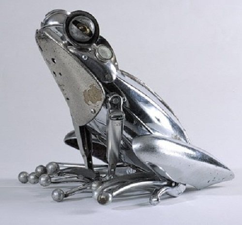 Realistic steampunk sculpture by French artist Edouard Martinet