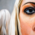 Hyper realistic paintings by Swedish artist Linnea Strid