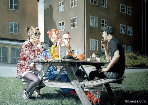 Hyper realistic paintings by Swedish artist Linnea Strid