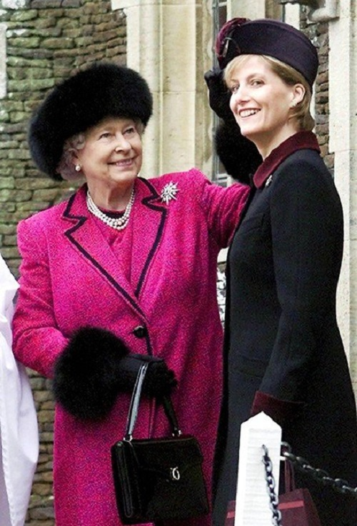Diana and Elizabeth
