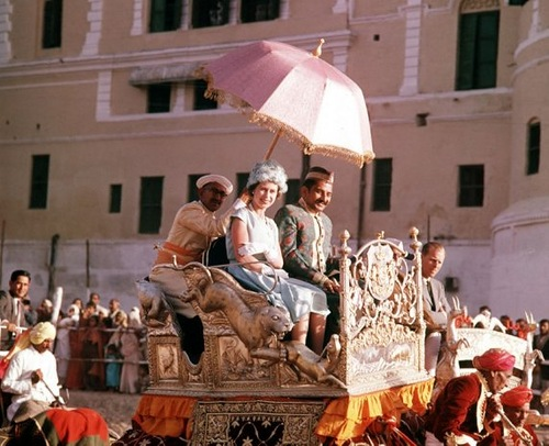 1961, during the royal tour of India, Queen Elizabeth II was pictured taking an elephant ride in the town of Banares