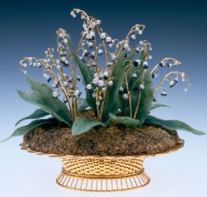 Mayflowers in a basket. Gold, pearls, lapis lazuli, rock crystal, casting, carving, engraving, polishing. Height 14.2 cm. 1880s