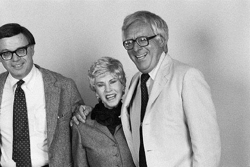 Authors Jean Auel and Ray Bradbury at a San Jose Mercury News author convention. November 22, 1980 San Jose, California, USA