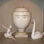 Urn with Anna Pavlova's ashes