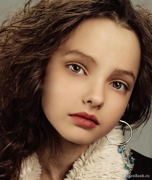 Alexandra Dmitrieva model