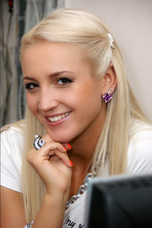 """Olga Buzova (Tarasova) TV host of the longest reality show """"Dom2"""""""