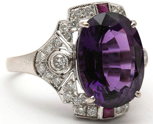 Gold ring with a synthetic amethyst