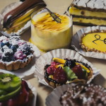 Cakes. Hyper-realistic paintings American artist Ben Schonzeit
