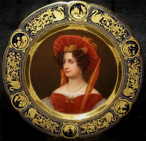 Painting portraits on porcelain plates