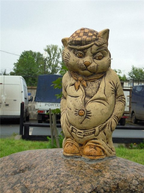 Cats monuments
