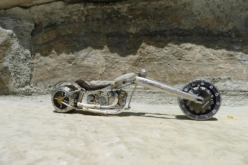 Wonderful work of Canadian craftsman – motorcycle from vintage watch parts, made by Dan Tanenbaum, Canada